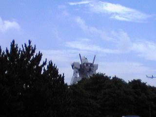 潮風公園に絶賛展示中のガンダムその1.jpg